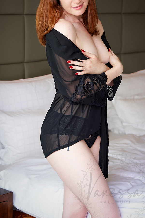 Independent Escort Vanessa: Stunning Red Dress